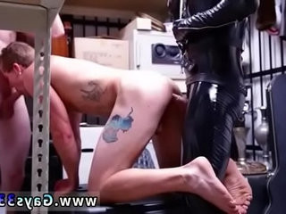 Gay male bulge hunk and man getting straight to blow job Dungeon | blowjobs  gays tube  getting  hunks best  job collection  males