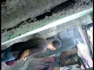 Flagra de cafucu punhetando no beco da favela   handjob